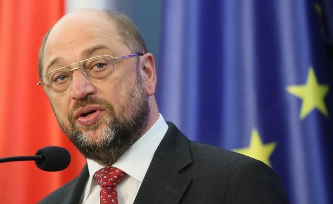 Германските социалдемократи дадоха зелена светлина за коалиция с Меркел