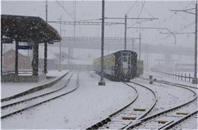 влак-сняг