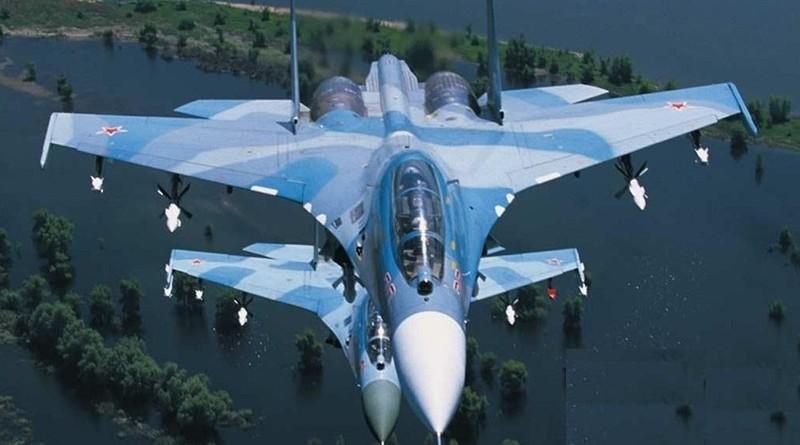 руските-военни-самолети-Су-30-см-3
